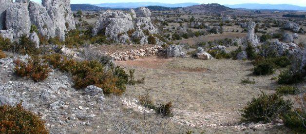 Le causse du Larzac, une forteresse de calcaire